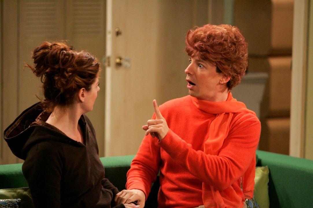 Grace (Debra Messing, l.) versucht, sich nicht mehr über ihre Mutter aufzuregen. Und als guter Freund hilft Jack (Sean Hayes, r.) ihr, eine gute Toc... - Bildquelle: NBC Productions