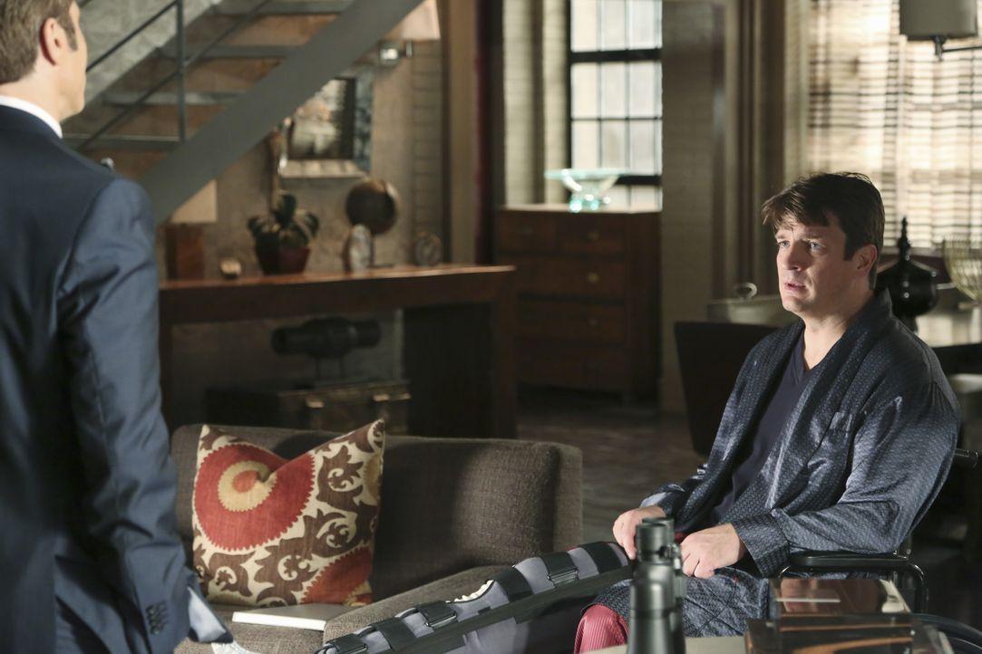 Wird Kevin Ryan (Seamus Dever, l.) Castle (Nathan Fillion, r.) Glauben schenken? Der gehandicapte Schriftsteller behauptet, einen Mord in der Nachba... - Bildquelle: ABC Studios