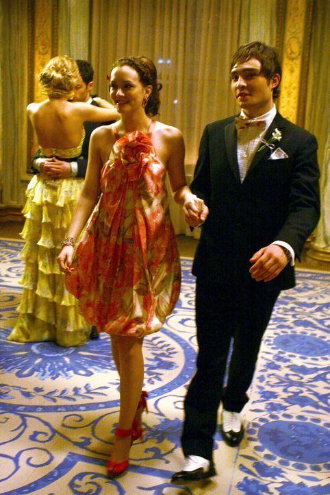Das neue Traumpaar: Wird Chuck (Ed Westwick, r.) auch weiterhin zu seiner Liebe für Blair Waldorf (Leighton Meester, l.) stehen? - Bildquelle: Warner Bros. Television