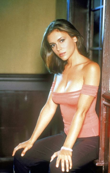 (2. Staffel) - Phoebe Halliwell (Alyssa Milano) nimmt das Leben wie es kommt. Ihre Unbekümmertheit bringt sie nur leider allzu oft in Schwierigkeite... - Bildquelle: Paramount Pictures
