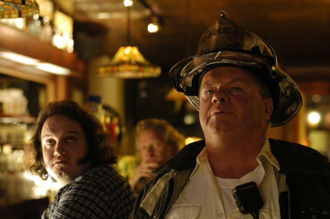 Chief Jerry Reilly (Jack McGee) kann und will nicht hinnehmen, dass es schwule Feuerwehrmänner gibt - und rastet total aus ... - Bildquelle: CPT Holdings, Inc. All Rights Reserved.