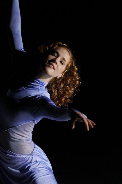 Eines Tages hat die talentierte und begeisterte Eiskunstläuferin Lexi (Taylor Firth) einen schrecklichen Unfall, der ihr bisheriges Leben infrage st... - Bildquelle: 2010 Stage 6 Films, Inc. All Rights Reserved.