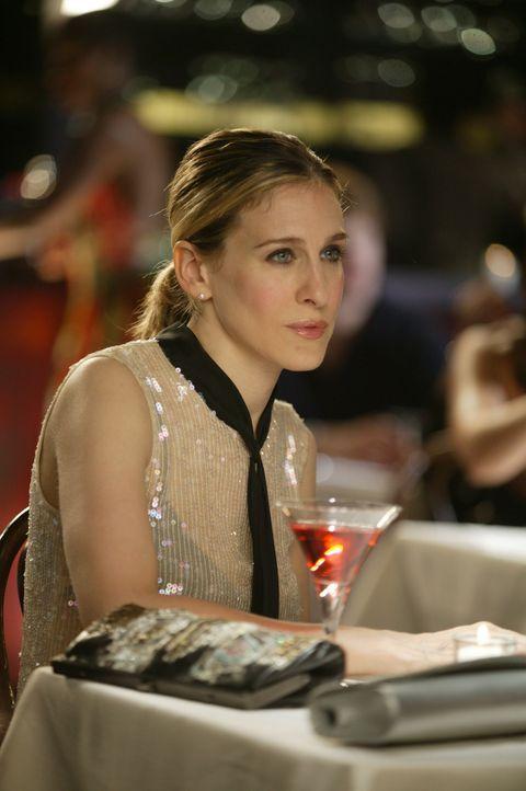 Als Carrie (Sarah Jessica Parker) zufällig ihre Lektorin Courtney wiedertrifft, erkennt sie, dass es manchmal besser ist, Erfolge nur sparsam dosie... - Bildquelle: Paramount Pictures