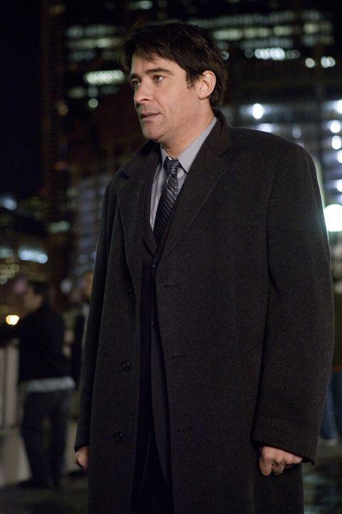 Luka Kovac (Goran Vicnjic) hört Ames zu, doch kann das Geschehene nicht mehr rückgängig machen ... - Bildquelle: Warner Bros. Television
