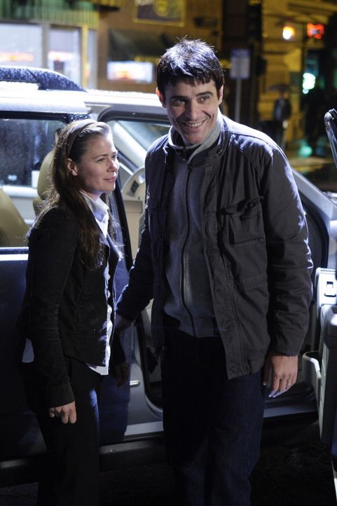 Beginnen gemeinsam einen Neuanfang in einer anderen Stadt: Kovac (Goran Visnjic, r.) und Abby (Maura Tierney, l.) ... - Bildquelle: Warner Bros. Television