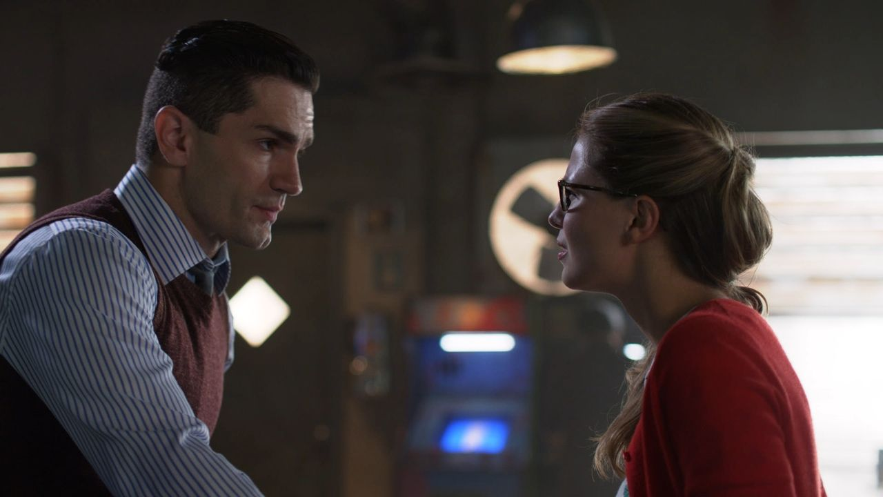 Ben Lockwood alias Agent Liberty (Sam Witwer, l.); Kara (Melissa Benoist, r.) - Bildquelle: 2018 The CW Network, LLC. All Rights Reserved.
