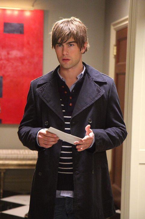Gerade als Nate (Chace Crawford) dabei ist, Blair einen Liebesbrief zu geben, macht er eine überraschende Entdeckung ... - Bildquelle: Warner Brothers