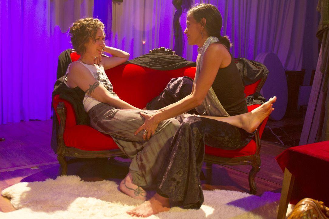 Ein besonderes Date wartet auf Jen (l.) und Kamala (r.) ... - Bildquelle: Showtime Networks Inc. All rights reserved.