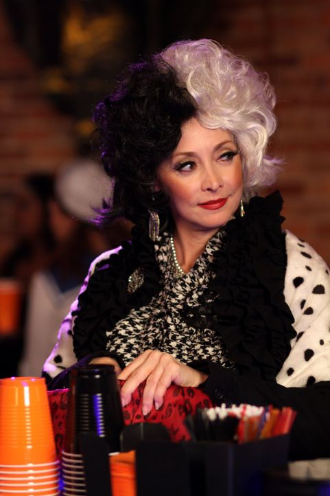 Was bringt Sylvia (Sharon Lawrence) nach Tree Hill? - Bildquelle: Warner Bros. Pictures