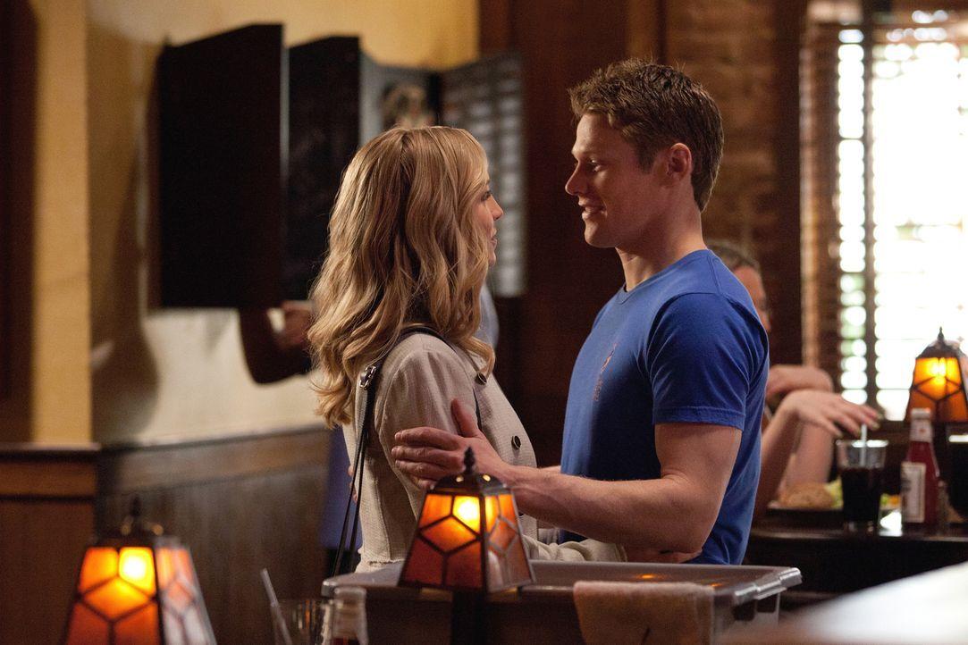 Hat ihre Beziehung noch eine Chance? Matt (Zach Roerig, r.) und Caroline (Candice Accola, l.) - Bildquelle: Warner Brothers