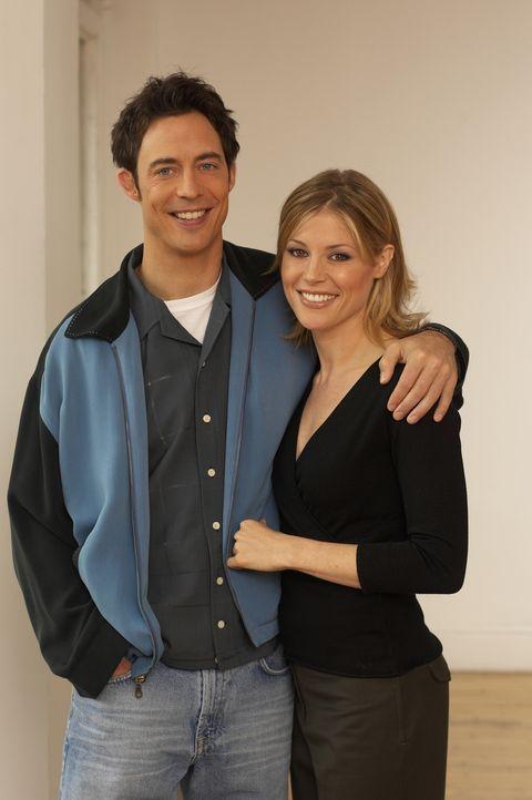 (4. Staffel) - Wird Carol (Julie Bowen, r.) die Gefühle von Ed (Tom Cavanagh, l.) erwidern? - Bildquelle: TM &   Paramount