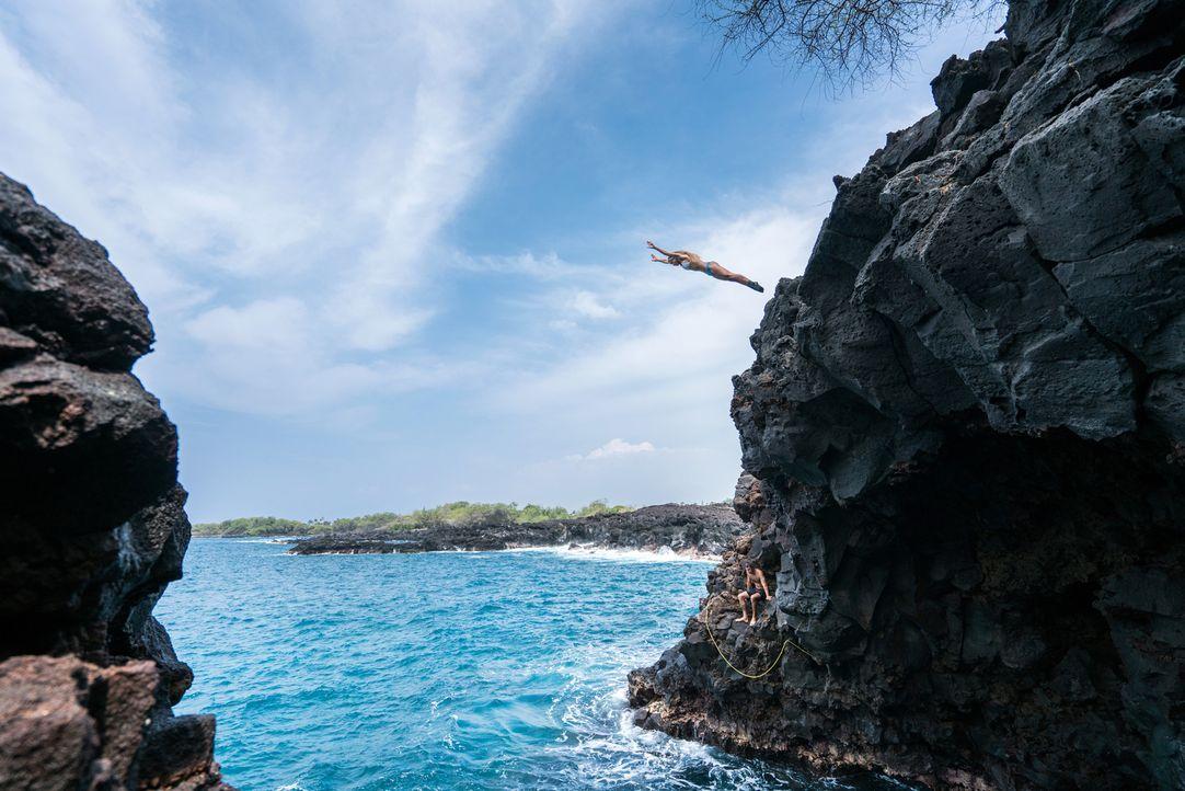 """Ein bisher unbekanntes Paradies für Klippenspringer: Von den Einheimischen nur """"End of the World"""" genannt und zu finden in Kailua-Kona auf Hawaii. - Bildquelle: 2017,The Travel Channel, L.L.C. All Rights Reserved"""