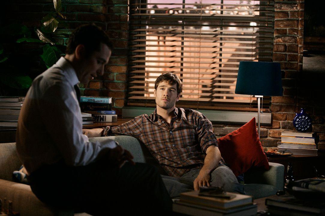 Im Namen der Firma: Kevin (Matthew Rhys, l.) muss Scotty (Luke McFarlane, r.) ausladen ... - Bildquelle: 2008 ABC INC.