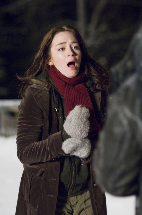 Ein eisiger Alptraum beginnt: eine Studentin (Emily Blunt), die Weihnachten mit ihren Eltern verbringen möchte. - Bildquelle: 2007 TriStar Pictures, Inc. All Rights Reserved.