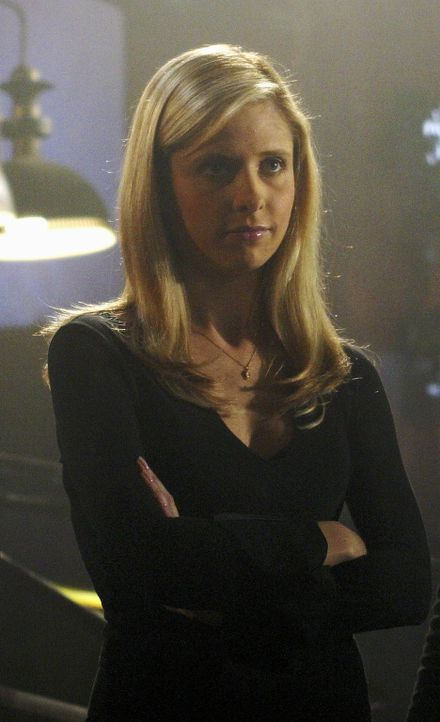 Buffy (Sarah Michelle Gellar) und ihre Freunde nehmen sich viel Zeit, die Anwärterinnen auszubilden. - Bildquelle: TM +   Twentieth Century Fox Film Corporation. All Rights Reserved.