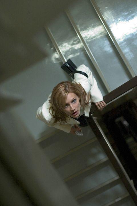 Austausch-Krankenschwester Karen (Sarah Michelle Gellar) hört verdächtige Geräusche vom Dachboden des alten Hauses. Was sie dort erwartet, übers... - Bildquelle: Constantin Film