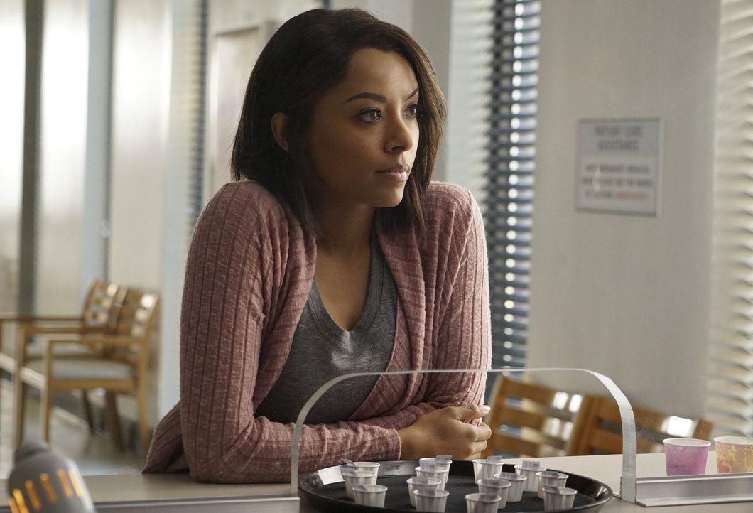 Bonnie (Kat Graham) lernt in der Psychiatrie eine junge Frau kennen, die ihr mehr über die Absichten der Armory erzählen kann ... - Bildquelle: Warner Bros. Entertainment, Inc.