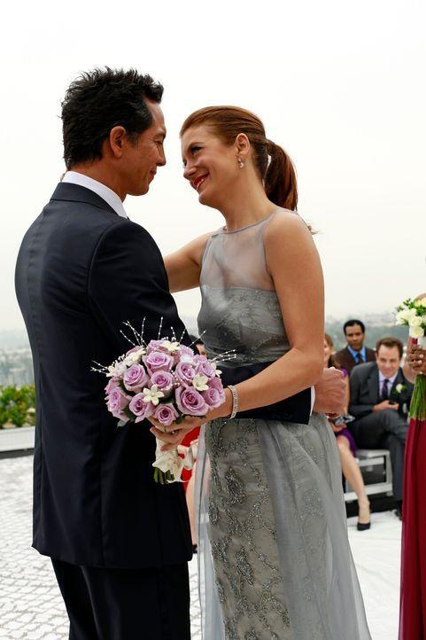 Der schönste Tag in ihrem Leben: Addison (Kate Walsh, r.) und Jake (Benjamin Bratt, l.) ... - Bildquelle: ABC Studios