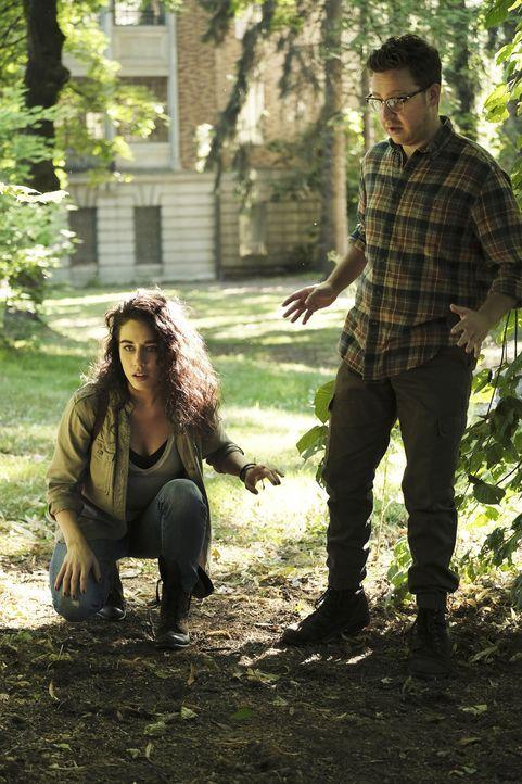 (v.l.n.r.) Kady Orloff-Diaz (Jade Tailor); Josh Hoberman (Trevor Einhorn) - Bildquelle: Eike Schroter 2018 Syfy Media Productions LLC. ALL RIGHTS RESERVED./Eike Schroter