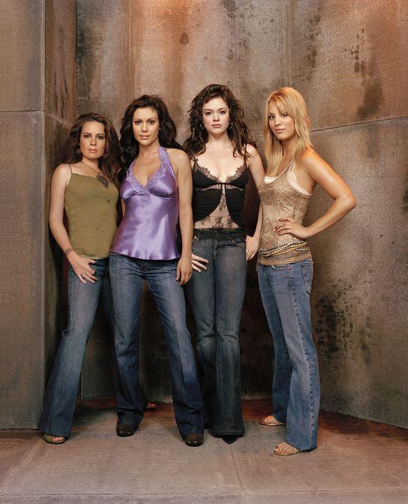 (8. Staffel) - Kämpfen gemeinsam gegen das Böse: Phoebe (Ayssa Milano, 2.v.l.), Piper (Holly Marie Combs, l.), Paige (Rose McGowan, 2.v.r.) und Bill... - Bildquelle: Paramount Pictures