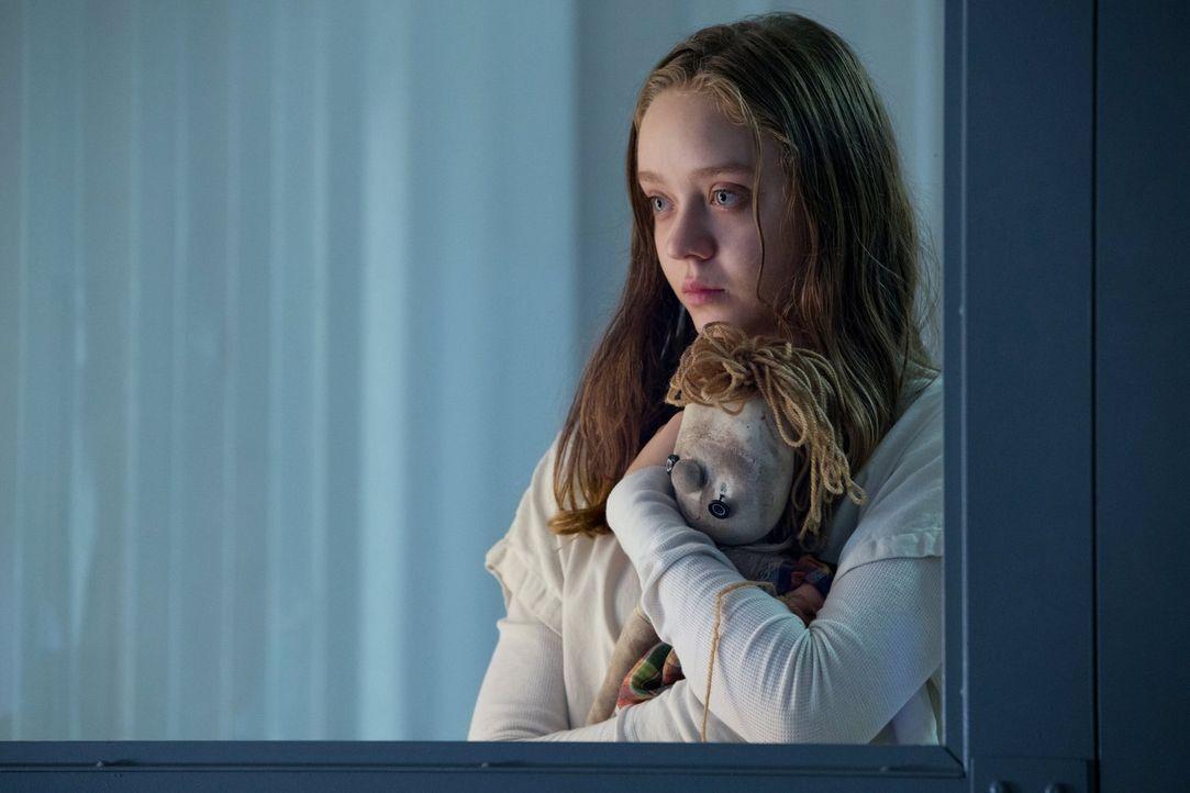 Werden die Tomorrow People beim Versuch die verängstigte Charlotte (Madeleine Arthur) zu retten, in eine Falle tappen? - Bildquelle: Warner Bros. Entertainment, Inc