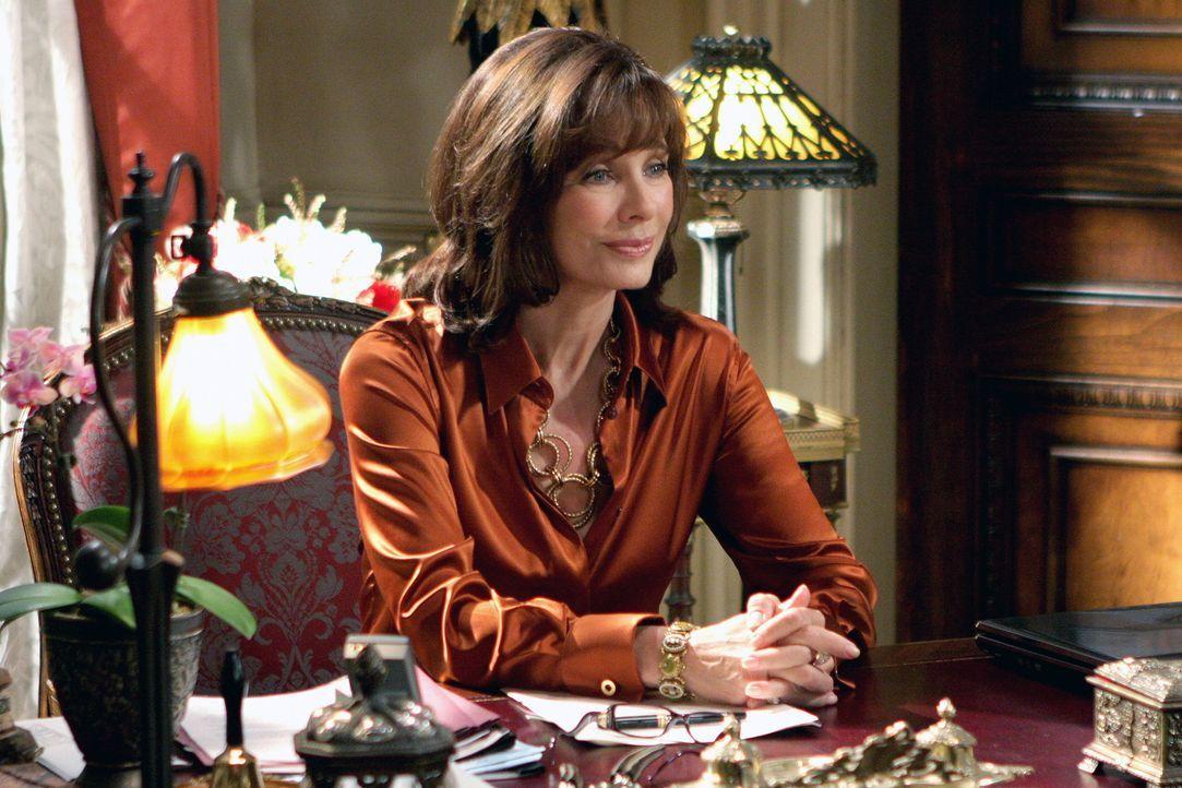 Milliardärin Laurel Limoges (Anne Archer) sucht für ihre snobistischen Enkeltöchter eine Tutorin, die diese fit fürs College macht. Im Gegenzug erhä... - Bildquelle: Warner Bros. Television