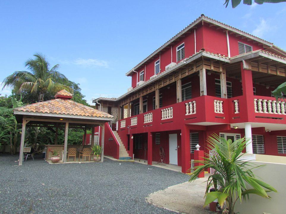 Ein bezahlbares Traumhaus in der Karibik zu finden, ist keine leichte Aufgabe, denn Car und Janna Halberg haben maximal eine Million Euro Budget ... - Bildquelle: 2013, HGTV/Scripps Networks, LLC. All Rights Reserved.
