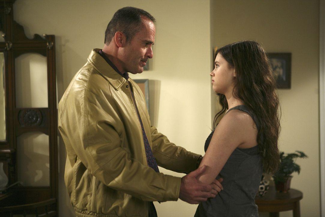 Wird George (Mark Derwin, l.) seine Familie verlassen und seiner Tochter Ashley (India Eisley, r.) damit das Herz brechen? - Bildquelle: ABC Family