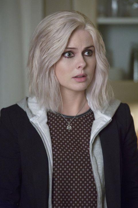 Während sich Liv (Rose McIver), dank des High Society Gehirns, wie eine Diva aufführt, muss Major weiterhin Jagd auf Zombies machen ... - Bildquelle: 2014 Warner Brothers