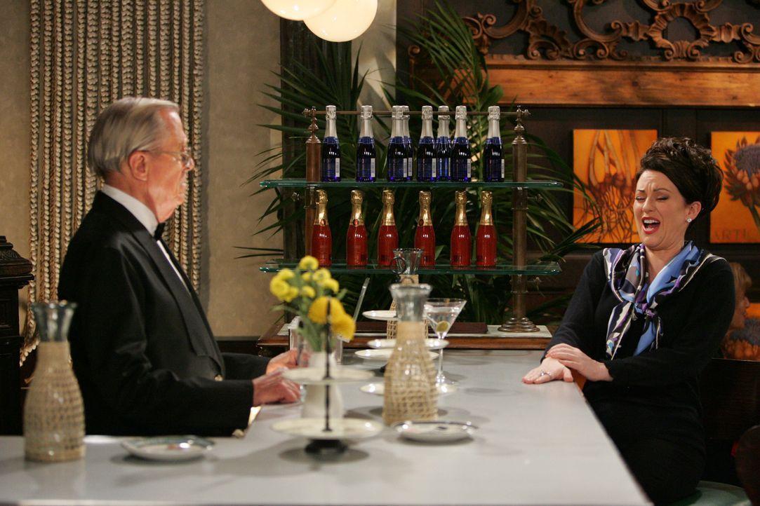 Haben beide ein schlimmes Erlebnis mit ihren Schwestern gehabt: Smitty (Charles Stevenson, l.) und Karen (Megan Mullally, r.) ... - Bildquelle: Chris Haston NBC Productions
