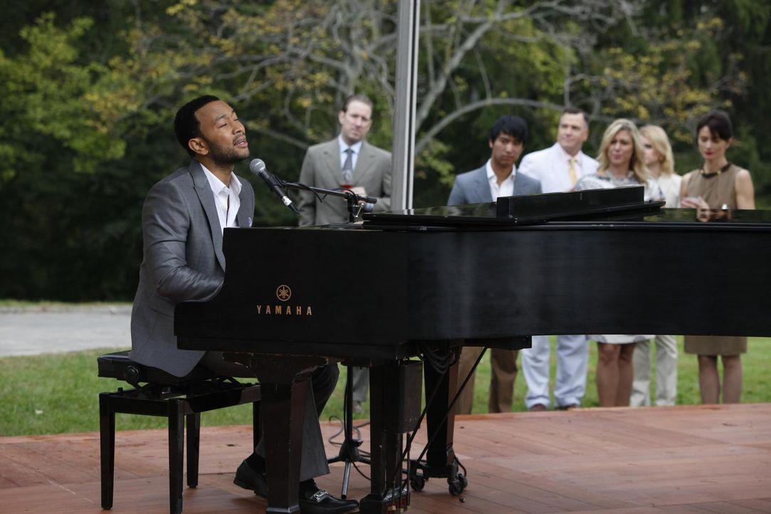 Auf der Hochzeit von Divya und Raj sorgt John Legend (John Legend) für die musikalische Untermalung ... - Bildquelle: 2010 Open 4 Business Productions, LLC. All Rights Reserved.