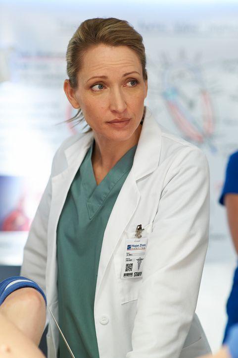 Für Dawn (Michelle Nolden) ist es immer noch schwer, dass Charlie sie für eine andere verlassen hat ... - Bildquelle: 2012  Hope Zee One Inc.