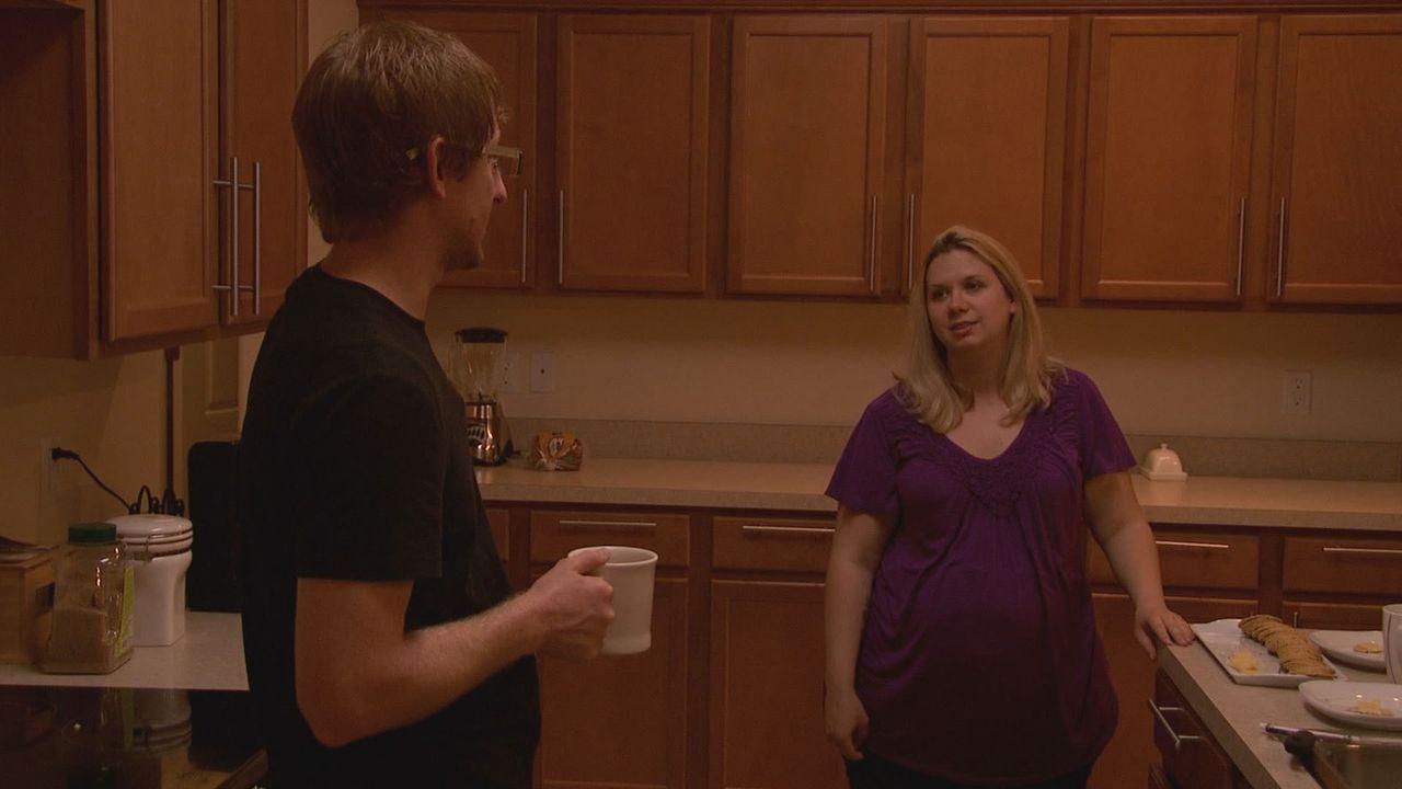 Mary (r.) stürzte sich während ihrer Ehe in eine Affäre und wurde schwanger. Ihr Ehemann Eric (l.) möchte zwar mit ihr zusammenbleiben, das fremde K... - Bildquelle: Universal Pictures