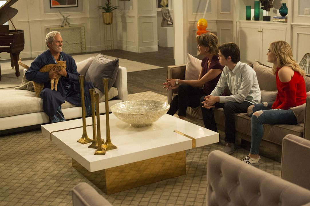 (v.l.n.r.) Dan (Gregory Harrison); Kathryn (Wendie Malick); Oliver (Daniel DiMaggio); Taylor (Meg Donnelly) - Bildquelle: Michael Ansell 2018 American Broadcasting Companies, Inc. All rights reserved. / Michael Ansell