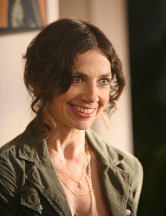 Aus finanziellen Gründen vermietet Gabrielle ein Zimmer ihres Hauses an die Kunststudentin Ellie (Justine Bateman), die allerdings einen mysteriösen... - Bildquelle: ABC Studios