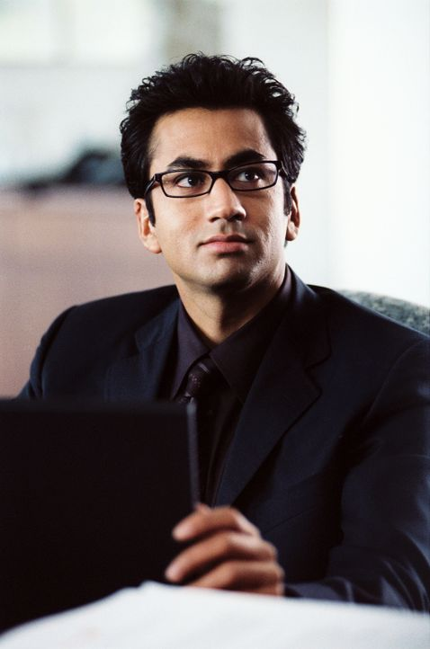 Jeefer (Kal Penn) träumt von der intelligenten Windel ... - Bildquelle: Ben Glass & Demmie Todd Touchstone Pictures. All rights reserved