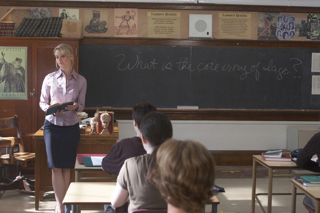 Sams Lügen werden plötzlich Wirklichkeit und seine Lehrerin Mrs. Moran (Teri Polo) findet Gefallen an ihm ... - Bildquelle: New Line Cinema