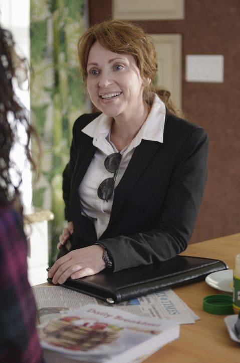 Die angebliche FBI Agentin Liz (Leigh-Allyn Baker) ist auf der Suche nach einem Schmuck-Dieb. Als sie auf die verdächtige Monica trifft, beginnt für... - Bildquelle: Touchstone Television