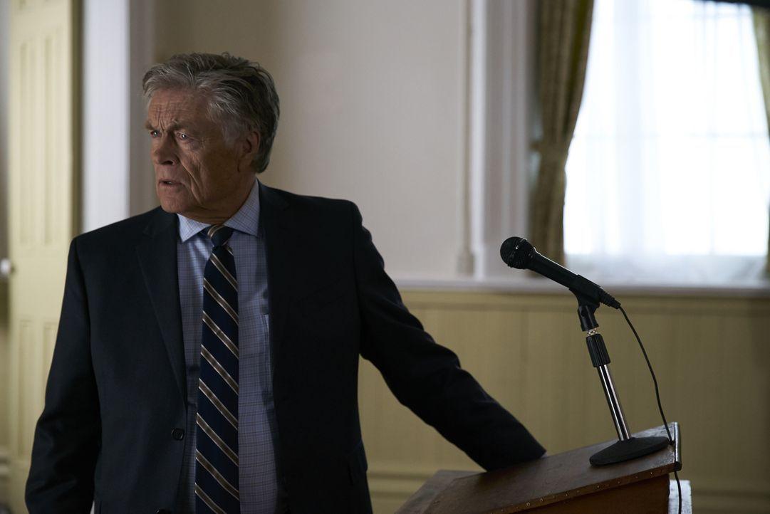 Was hat der Bürgermeister Sam Talbot (Art Hindle) mit Elenas Plan, die Russen endgültig aus ihrem Territorium zu vertreiben, zu tun? - Bildquelle: 2016 She-Wolf Season 3 Productions Inc.