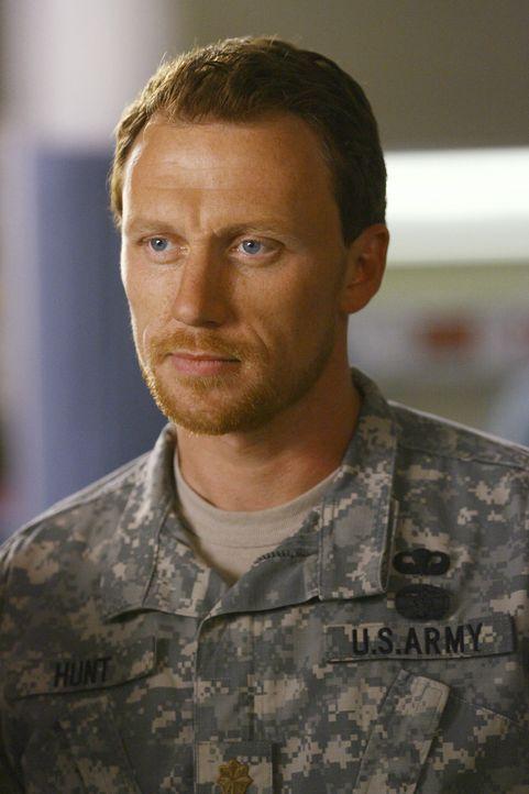Bekommt von Richard ein Angebot, dass er allerdings ablehnt: Dr. Owen Hunt (Kevin McKidd) ... - Bildquelle: Touchstone Television