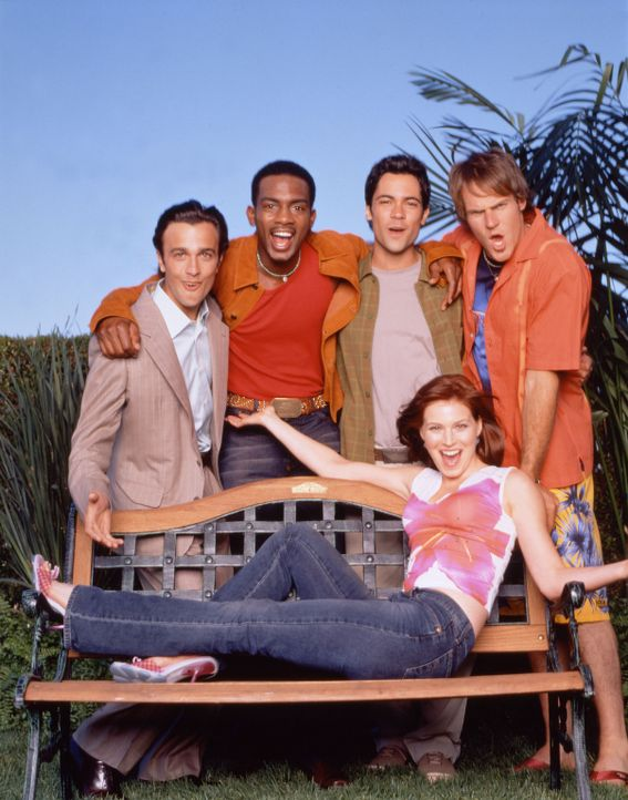 Cast on Park Bench - Bildquelle: Paramount Television
