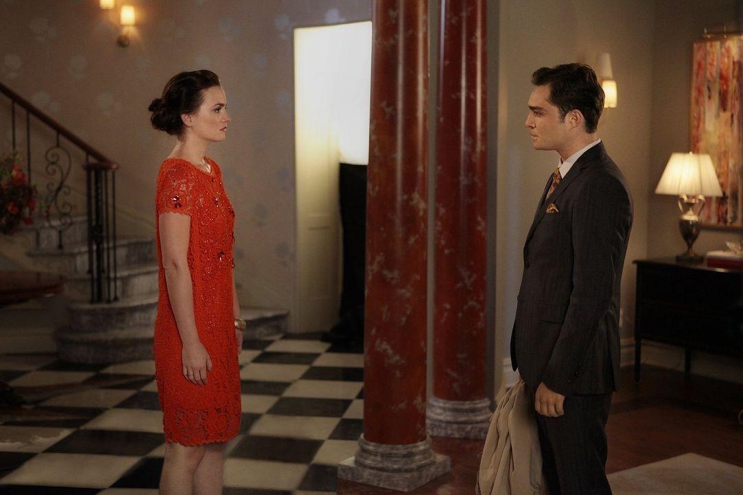 Chuck (Ed Westwick, r.) entschuldigt sich bei Blair (Leighton Meester, l.) für alles, was er ihr in der Vergangenheit angetan hat und nimmt Abschied... - Bildquelle: Warner Bros. Television