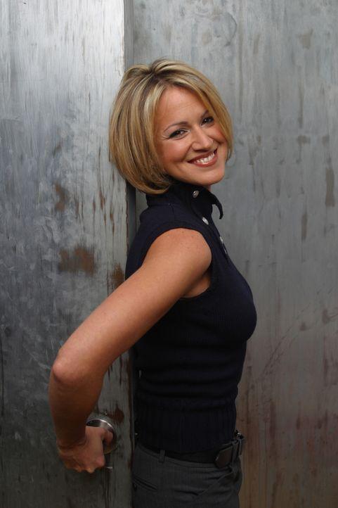 (4. Staffel) - Nancy (Jana Marie Hupp), die Frau von Eds bestem Freund Mike, versucht alles im Griff zu behalten ... - Bildquelle: TM &   Paramount