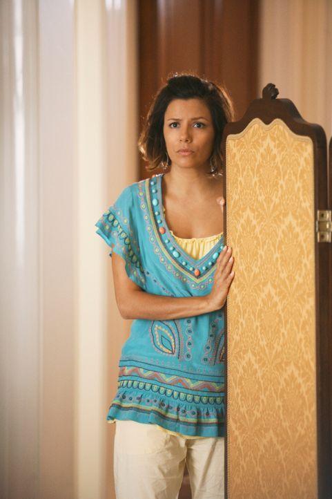 Als Gabrielle (Eva Longoria) den Grund erfährt, warum Virginia Hildebrand Carlos auf eine Reise nach Europa mitnehmen möchte, stattet sie der Dame e... - Bildquelle: ABC Studios