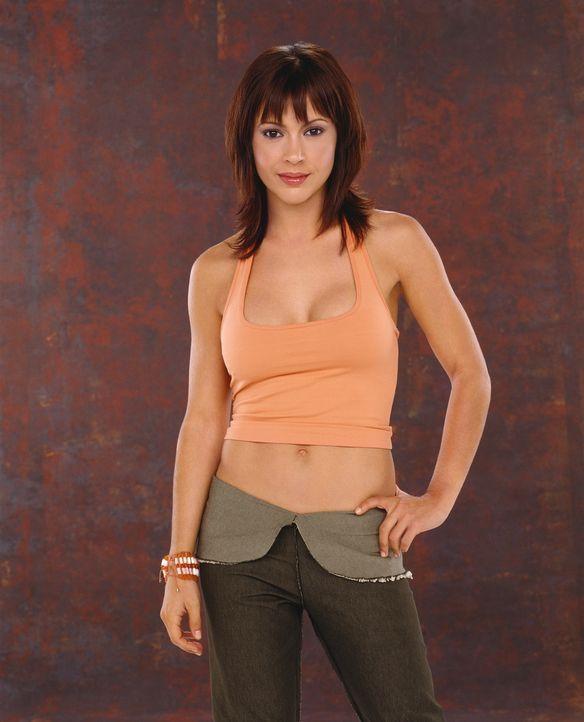 (5. Staffel) - Mit ihrer einzigartigen Fähigkeit trägt Phoebe (Alyssa Milano) zum Erfolg des Hexen-Trios bei. - Bildquelle: Paramount Pictures