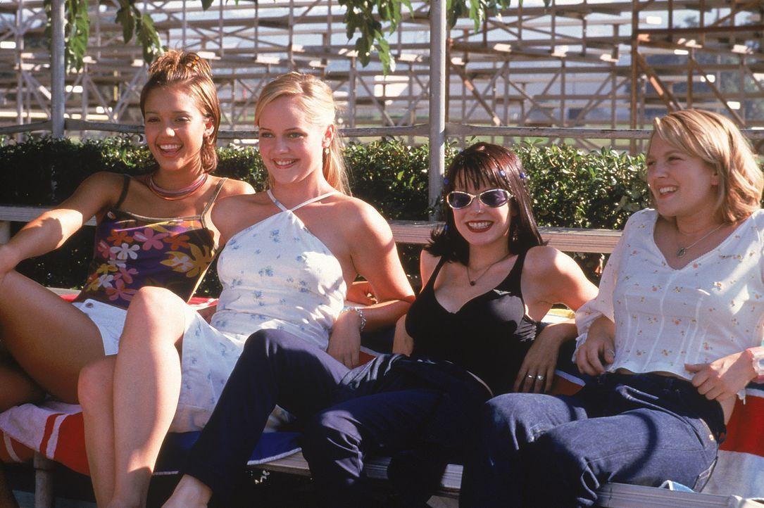 (v.l.n.r.) Kirsten (Jessica Alba); Kristin (Marley Shelton); Gibby (Jordan Ladd); Josie Geller (Drew Barrymore) - Bildquelle: 1999 Twentieth Century Fox Film Corporation.  All rights reserved.