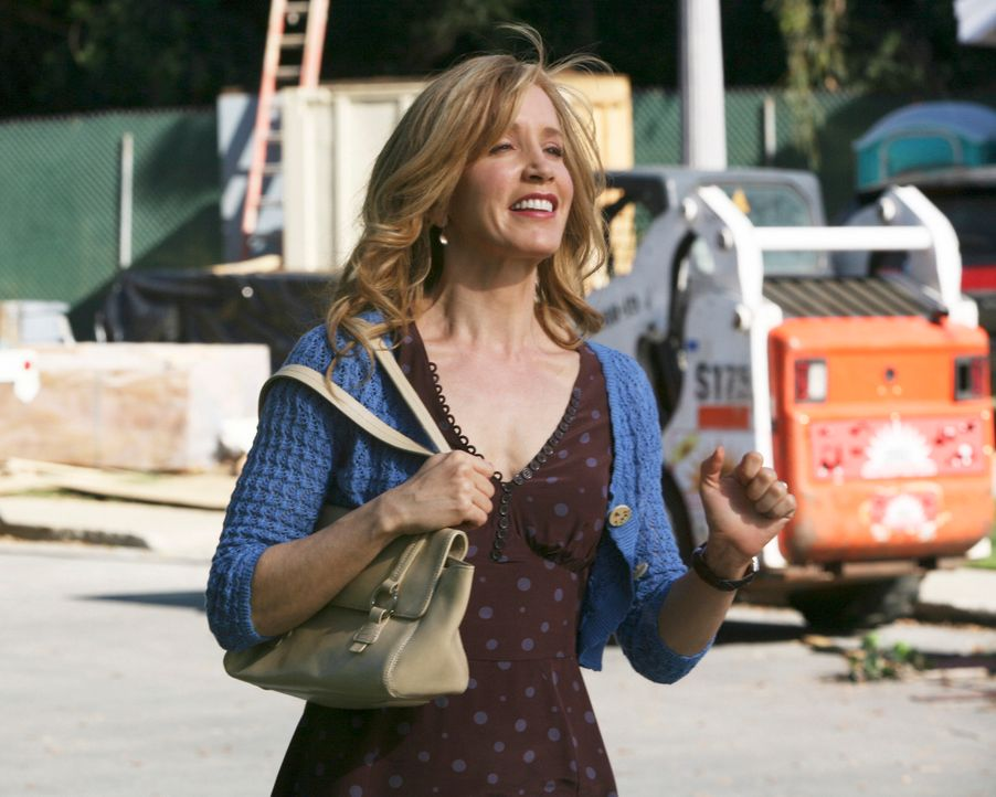 Nach alldem was Lynette (Felicity Huffman) durchgemacht hat, fühlt sie sich zur Kirche plötzlich hingezogen und bittet Bree um Rat, da Bree die gläu... - Bildquelle: ABC Studios