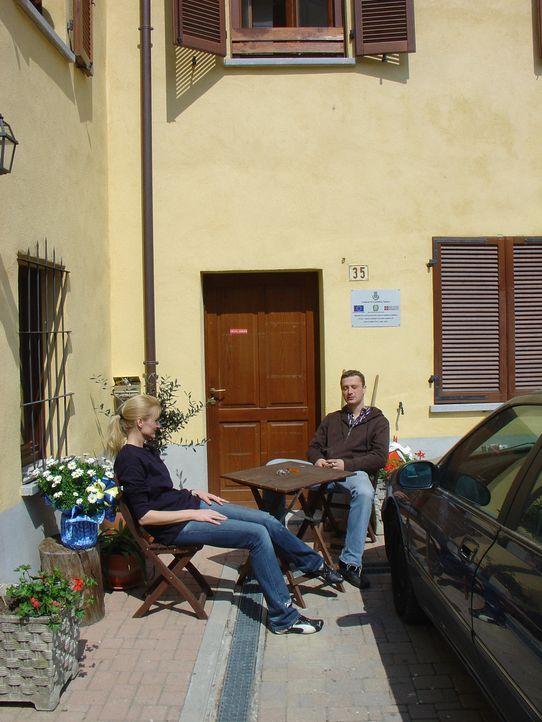 Silvia Schultz (38) und Hans Söntgerath (34) kündigen erstklassig bezahlte Jobs als Finanzdirektor und Personalverantwortliche und wandern nach It... - Bildquelle: kabel eins