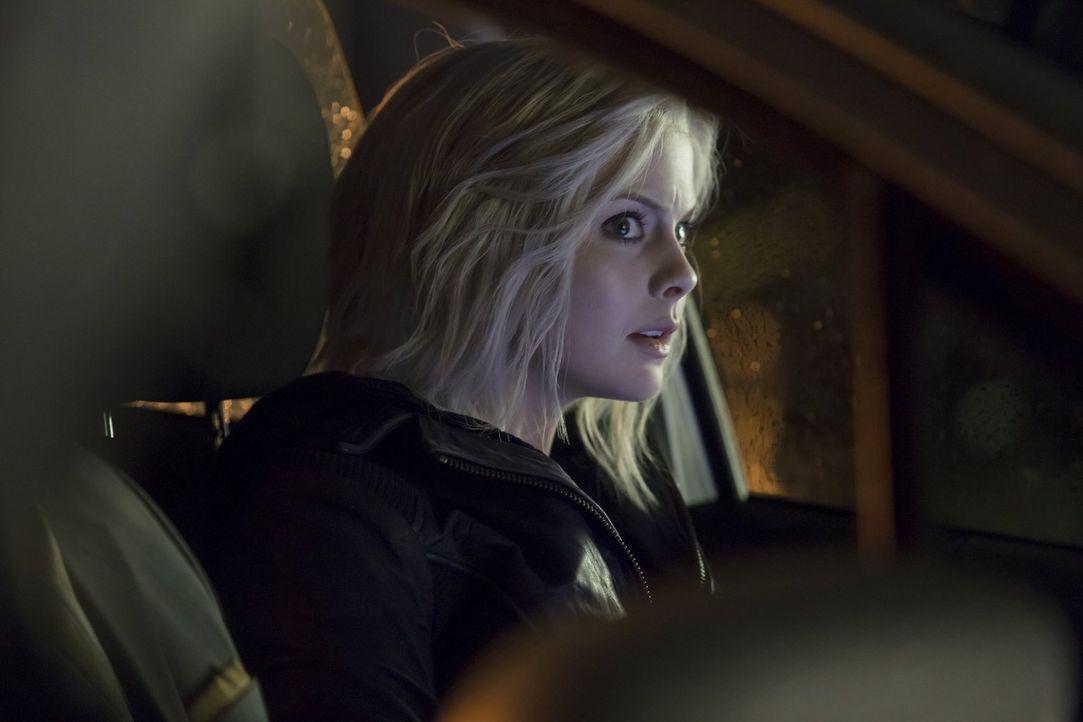 Als Liv (Rose McIver) das Gehirn eines Toten aus einer Nervenklinik isst, gerät sie plötzlich in ein Wirrwarr aus Realität und Phantasie ... - Bildquelle: Warner Brothers