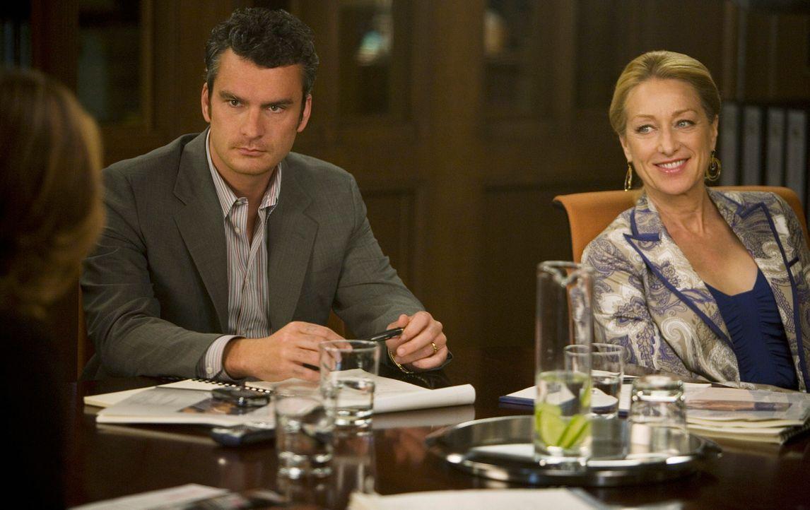 """Vor dem Vorstandskomitee: Tommy (Balthazar Getty, l.) und Holly (Patricia Wettig, r.) wollen """"Ojai Foods"""" in """"Walker Landing"""" ändern ... - Bildquelle: 2008 ABC INC."""